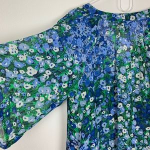 Anthropologie Fei Blue Floral Blouse Size 8